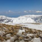 Sguardo dalla vetta di Monte Pollino verso i Piani di Pollino