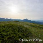 Dalla cresta, uno sguardo verso il Monte Sellaro