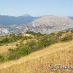 Timpa Porace, Timpa di San Lorenzo e Falconara con alle spalle la catena del Pollino.