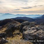 Sguardo sul Tirreno dalla vetta del Monte Caramolo con l'Etna sullo sfondo