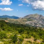 Timpa Falconara Timpa di San Lorenzo e Timpa Porace con alle spalle il Monte Sparviere e il Monte Sellaro