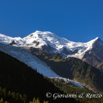Il glacier des Bossons e alle spalle Il Monte Bianco il Dome du Gouter e l'Aiguille du Gouter