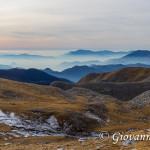 Panorama salendo lungo la spalla sud di Monte Meta