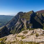 La Timpa di Porace e di Cassano ed in lontananza il Monte Sellaro