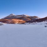 Sui Piani di Pollino al cospetto di Serra delle Ciavole, Serra Dolcedorme e Monte Pollino