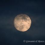 La luna rapita dalle nuvole