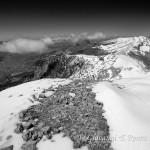 Sguardo sul Monte Pollino dalla vetta della Serra Dolcedorme